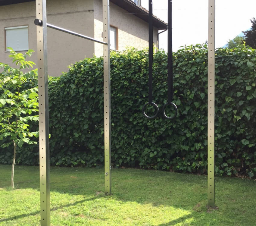Photos of the dual bars in a corner installation in the South Tyrol, Italy